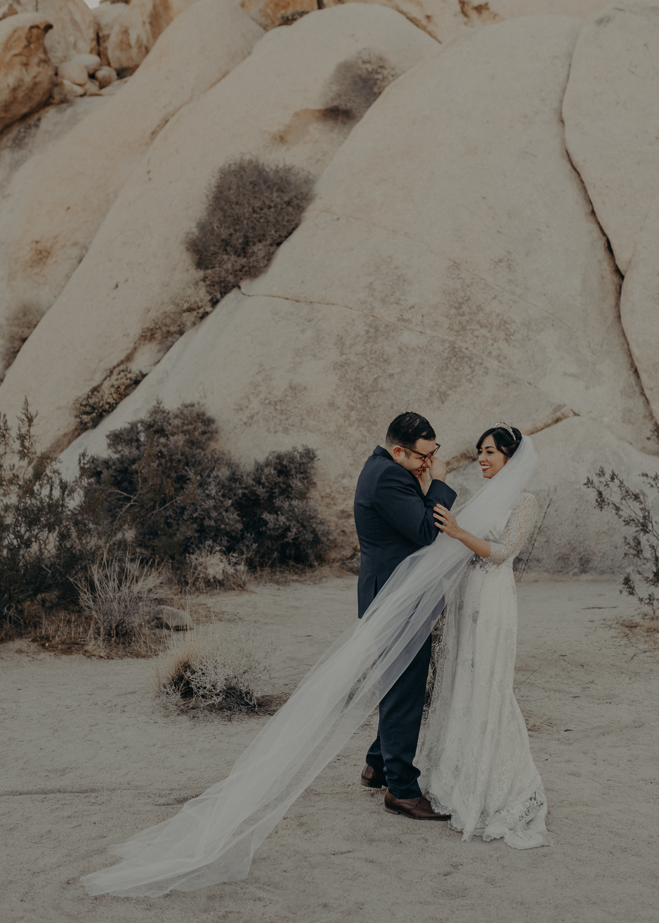© Isaiah + Taylor Photography - Long Beach Wedding Photographer - Joshua Tree Elopement-062.jpg