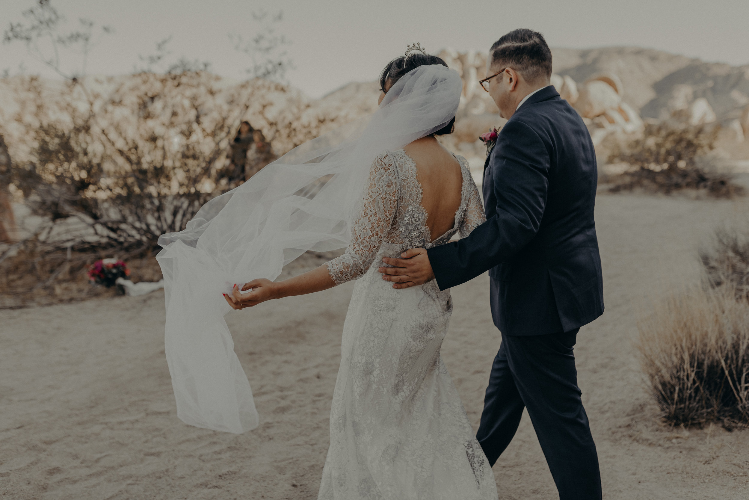 © Isaiah + Taylor Photography - Long Beach Wedding Photographer - Joshua Tree Elopement-063.jpg