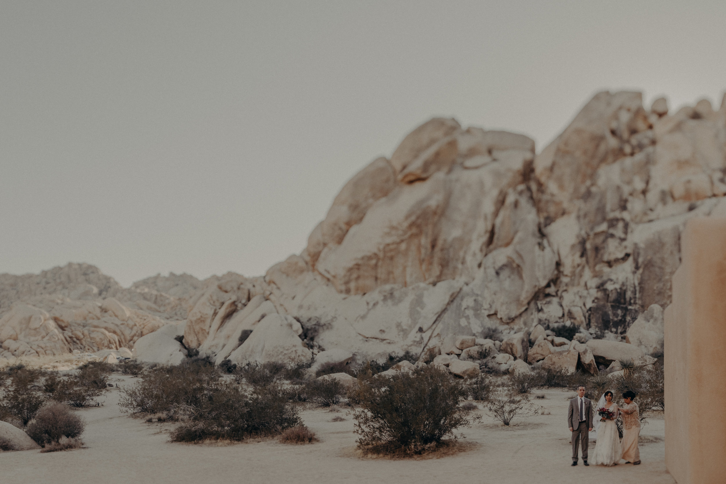 © Isaiah + Taylor Photography - Long Beach Wedding Photographer - Joshua Tree Elopement-074.jpg