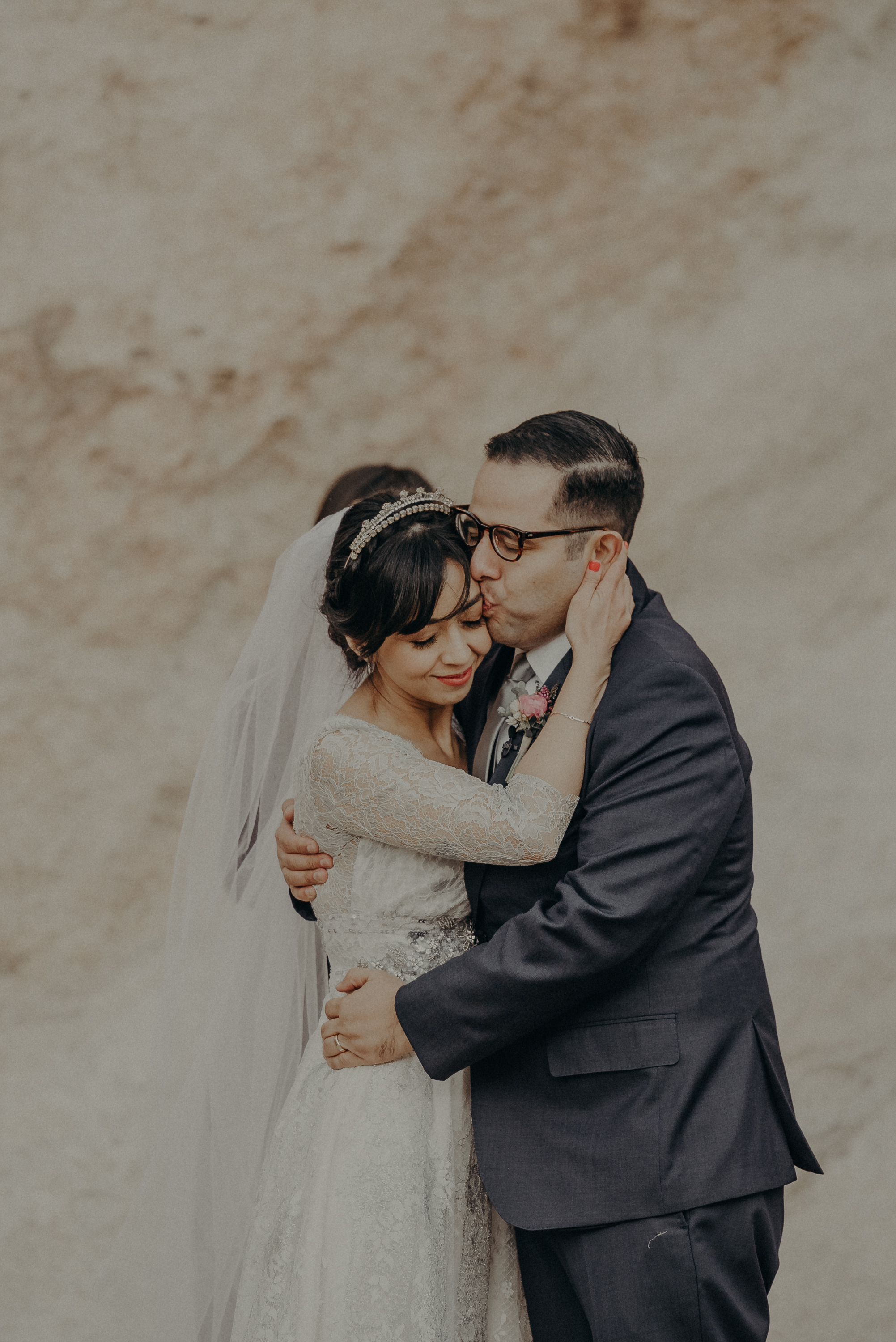© Isaiah + Taylor Photography - Long Beach Wedding Photographer - Joshua Tree Elopement-092.jpg