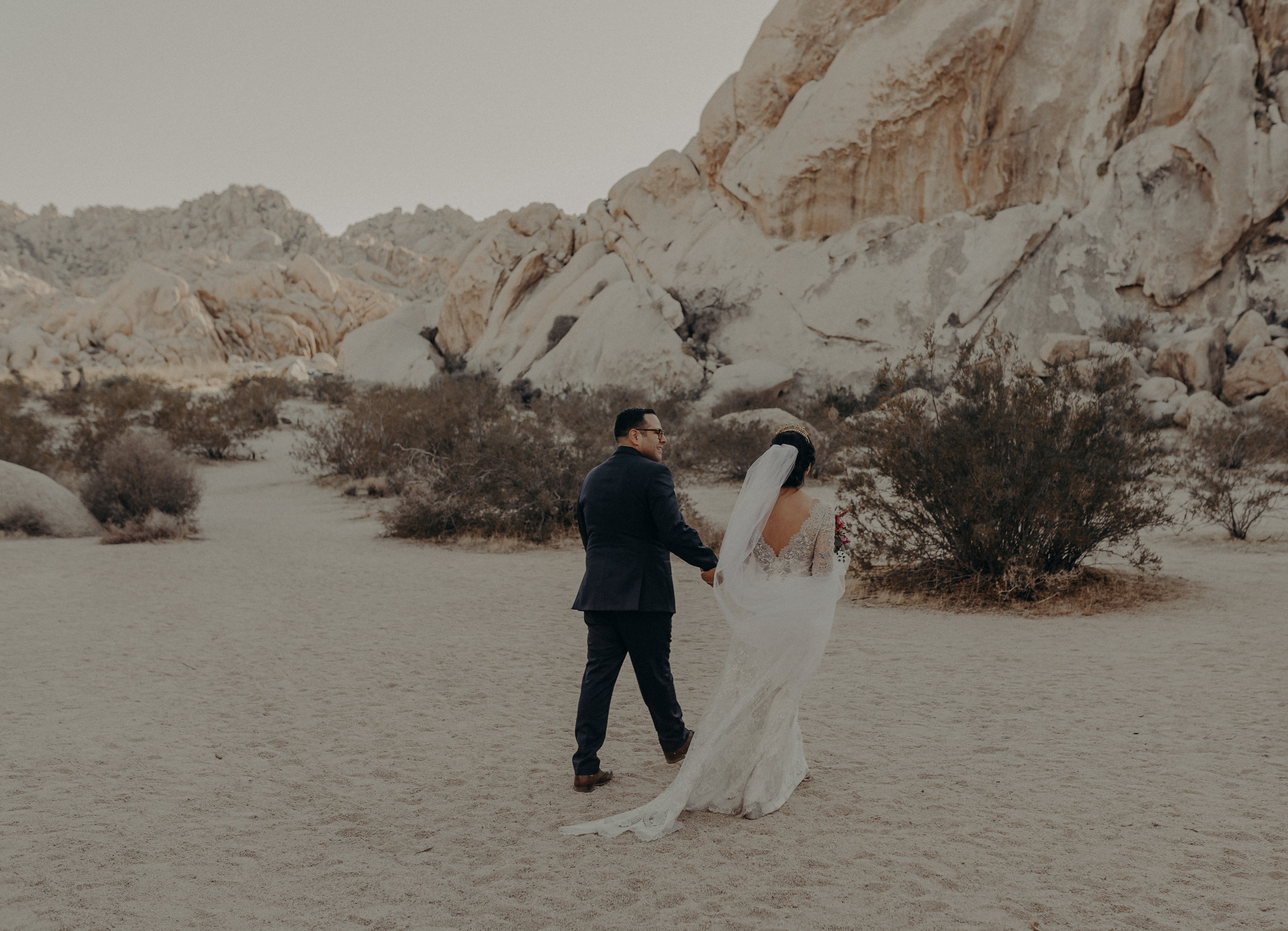 © Isaiah + Taylor Photography - Long Beach Wedding Photographer - Joshua Tree Elopement-095.jpg