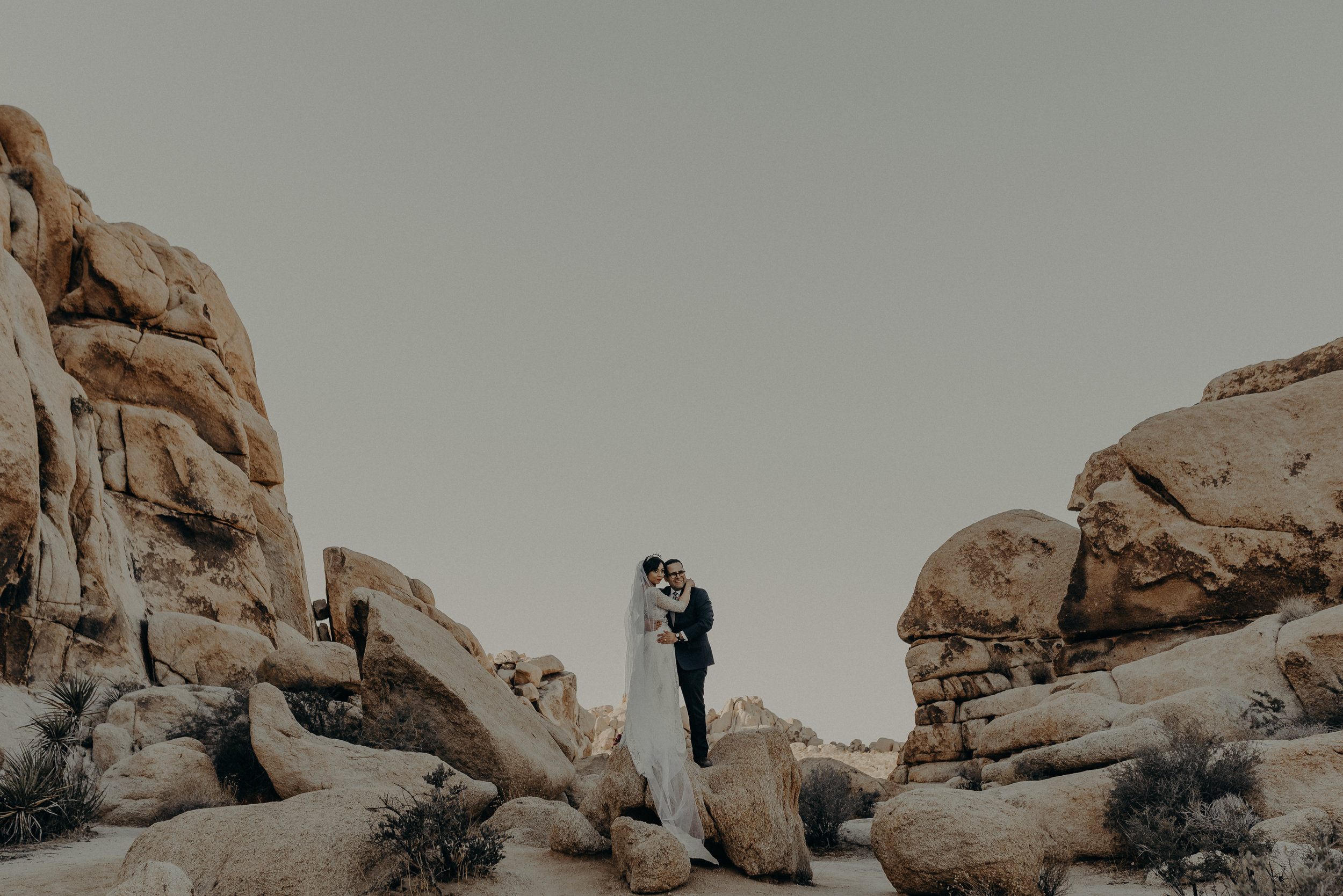 © Isaiah + Taylor Photography - Long Beach Wedding Photographer - Joshua Tree Elopement-102.jpg