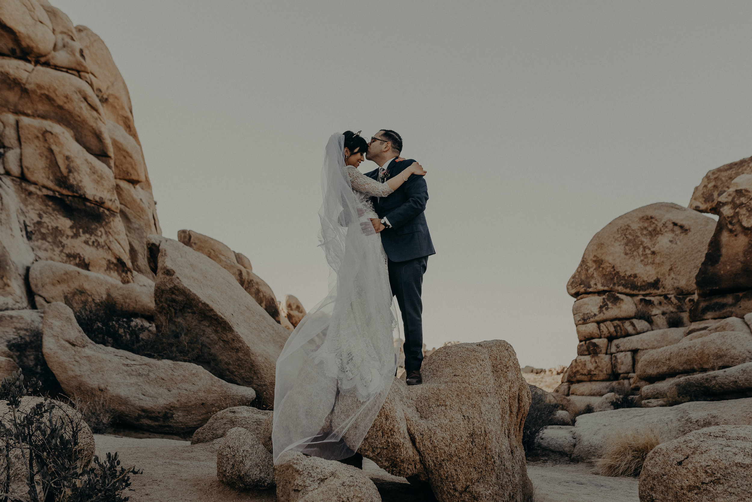 © Isaiah + Taylor Photography - Long Beach Wedding Photographer - Joshua Tree Elopement-105.jpg