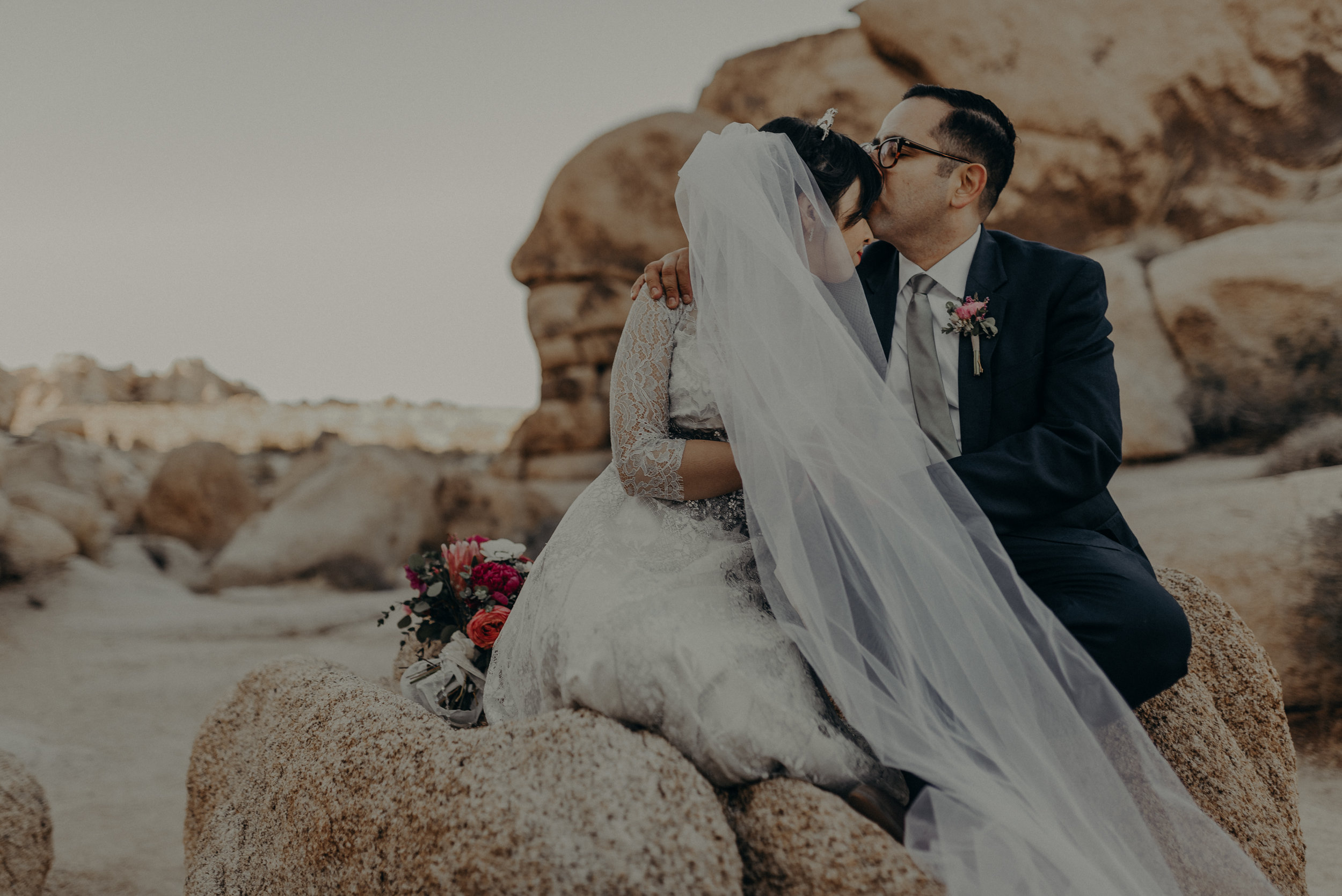 © Isaiah + Taylor Photography - Long Beach Wedding Photographer - Joshua Tree Elopement-112.jpg