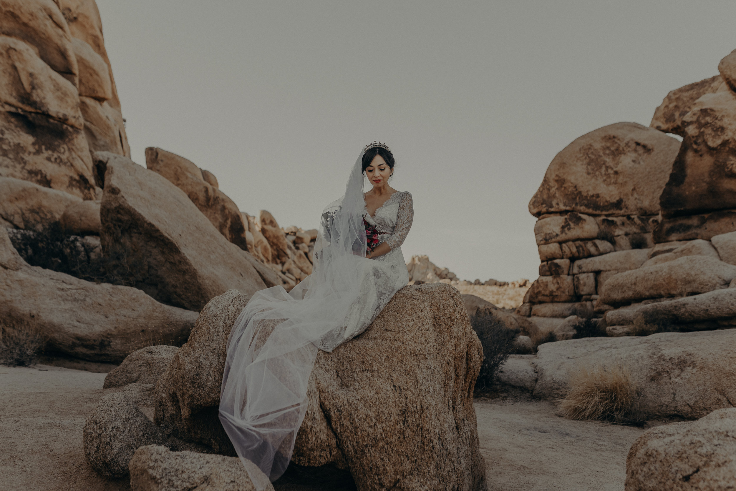 © Isaiah + Taylor Photography - Long Beach Wedding Photographer - Joshua Tree Elopement-113.jpg