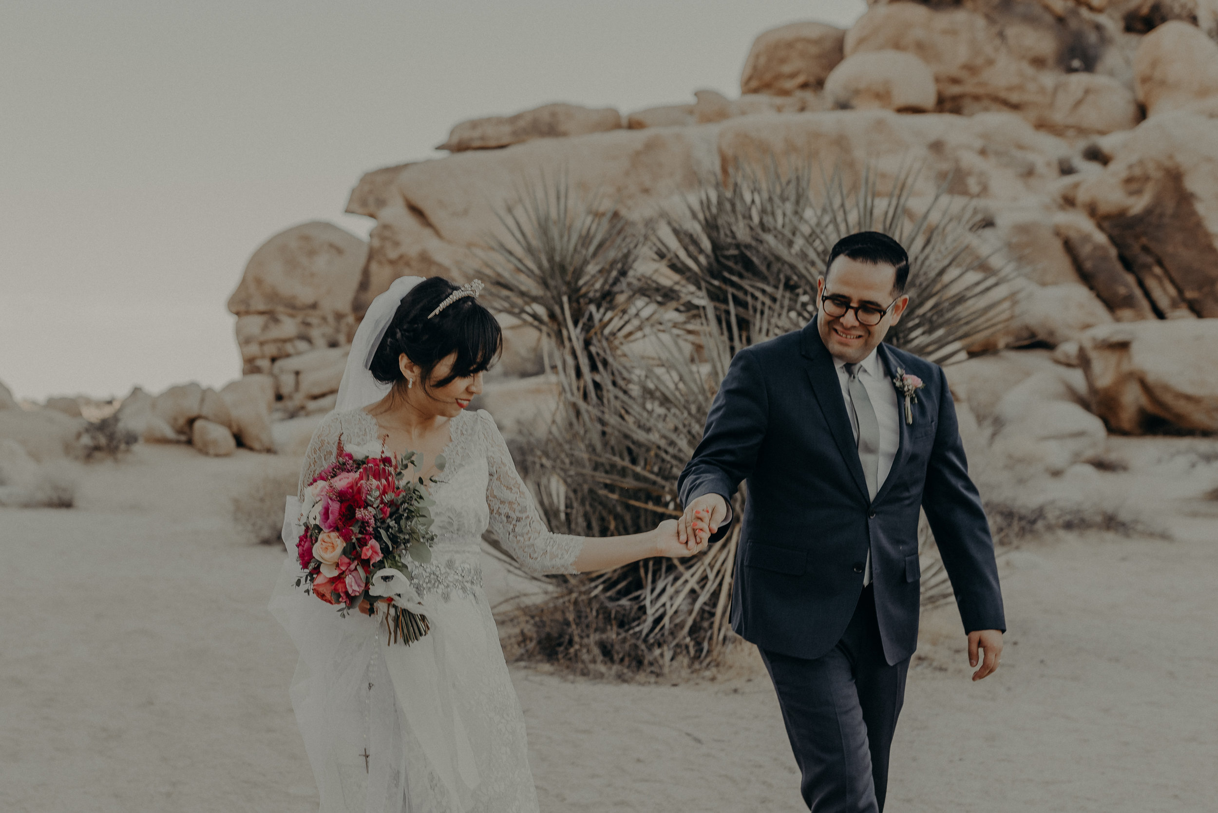 © Isaiah + Taylor Photography - Long Beach Wedding Photographer - Joshua Tree Elopement-117.jpg