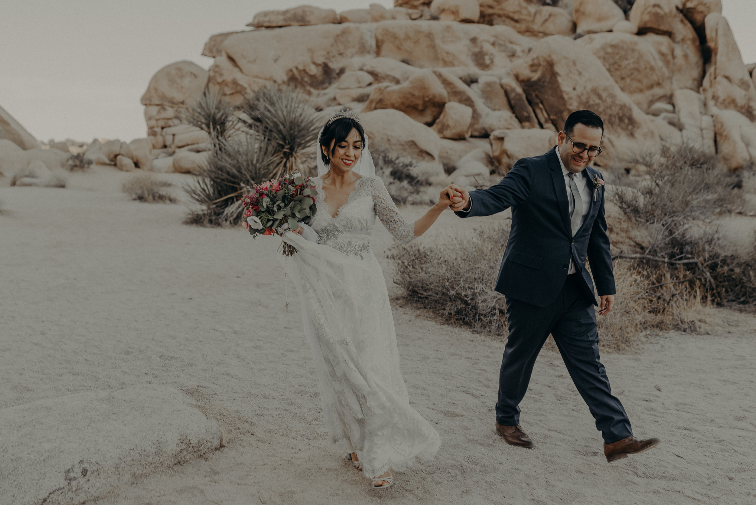 © Isaiah + Taylor Photography - Long Beach Wedding Photographer - Joshua Tree Elopement-121.jpg