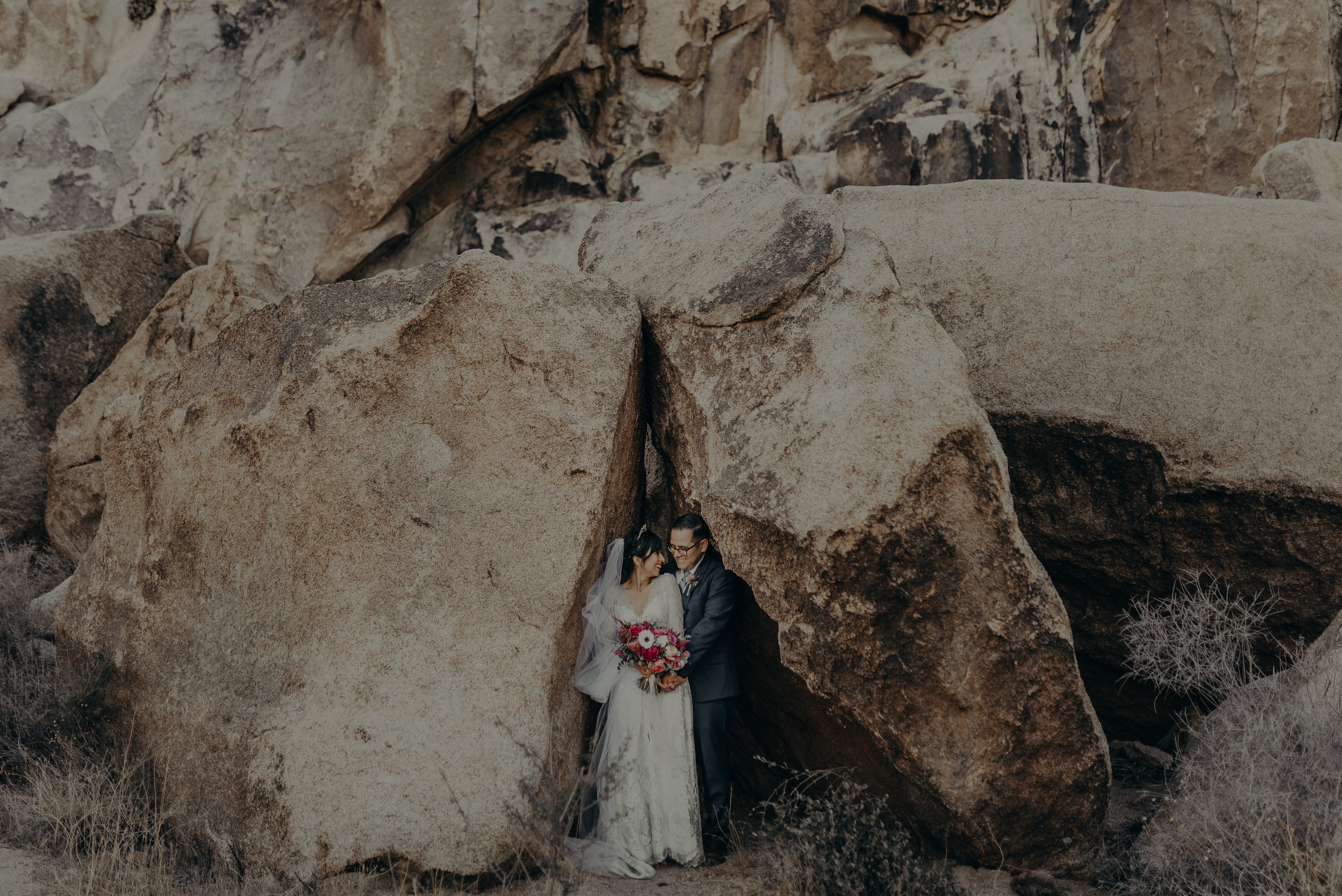© Isaiah + Taylor Photography - Long Beach Wedding Photographer - Joshua Tree Elopement-127.jpg