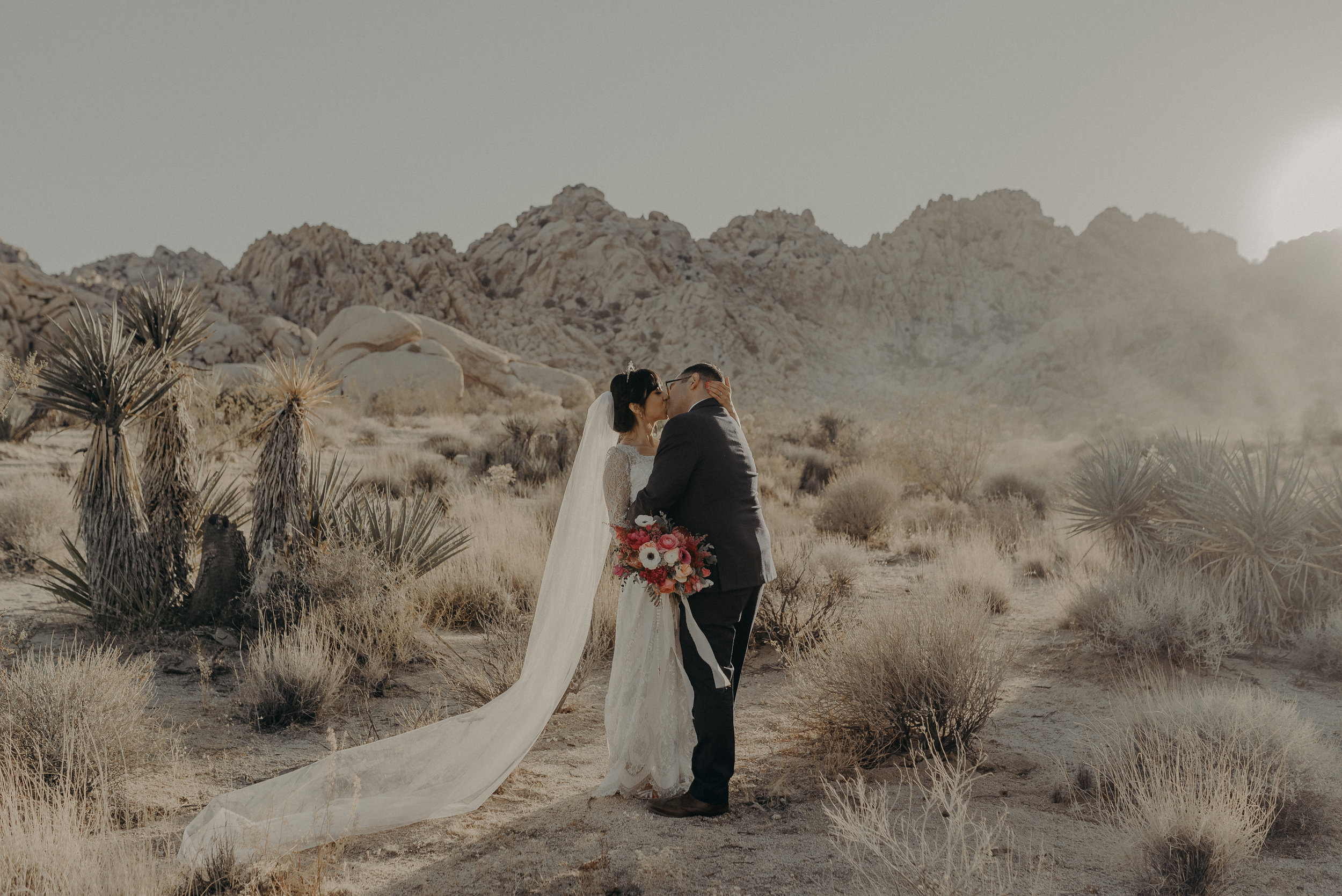 © Isaiah + Taylor Photography - Long Beach Wedding Photographer - Joshua Tree Elopement-134.jpg