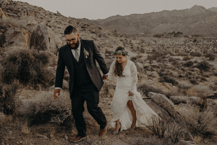 Joshua Tree Elopement - Los Angeles Wedding Photographer - IsaiahAndTaylor.com