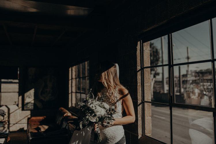 Long+Beach+Wedding+Photographer+-+Smokey+Hollow+Studios+Wedding+-+Isaiah+++Taylor+Photography-028.jpg