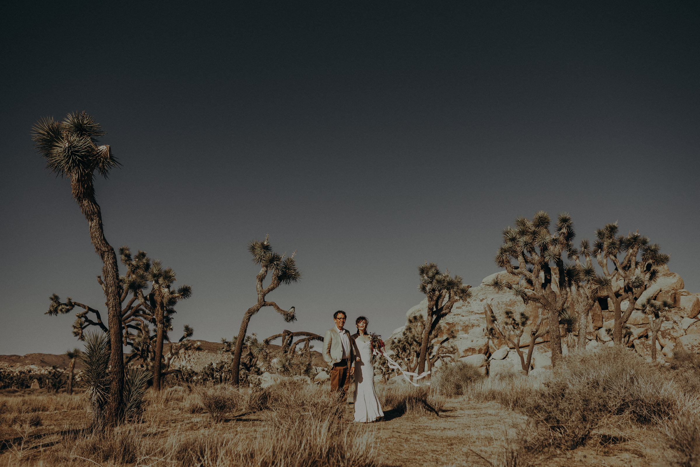 Joshua Tree Elopement - Los Angeles Wedding Photographers - IsaiahAndTaylor.com-016.jpg