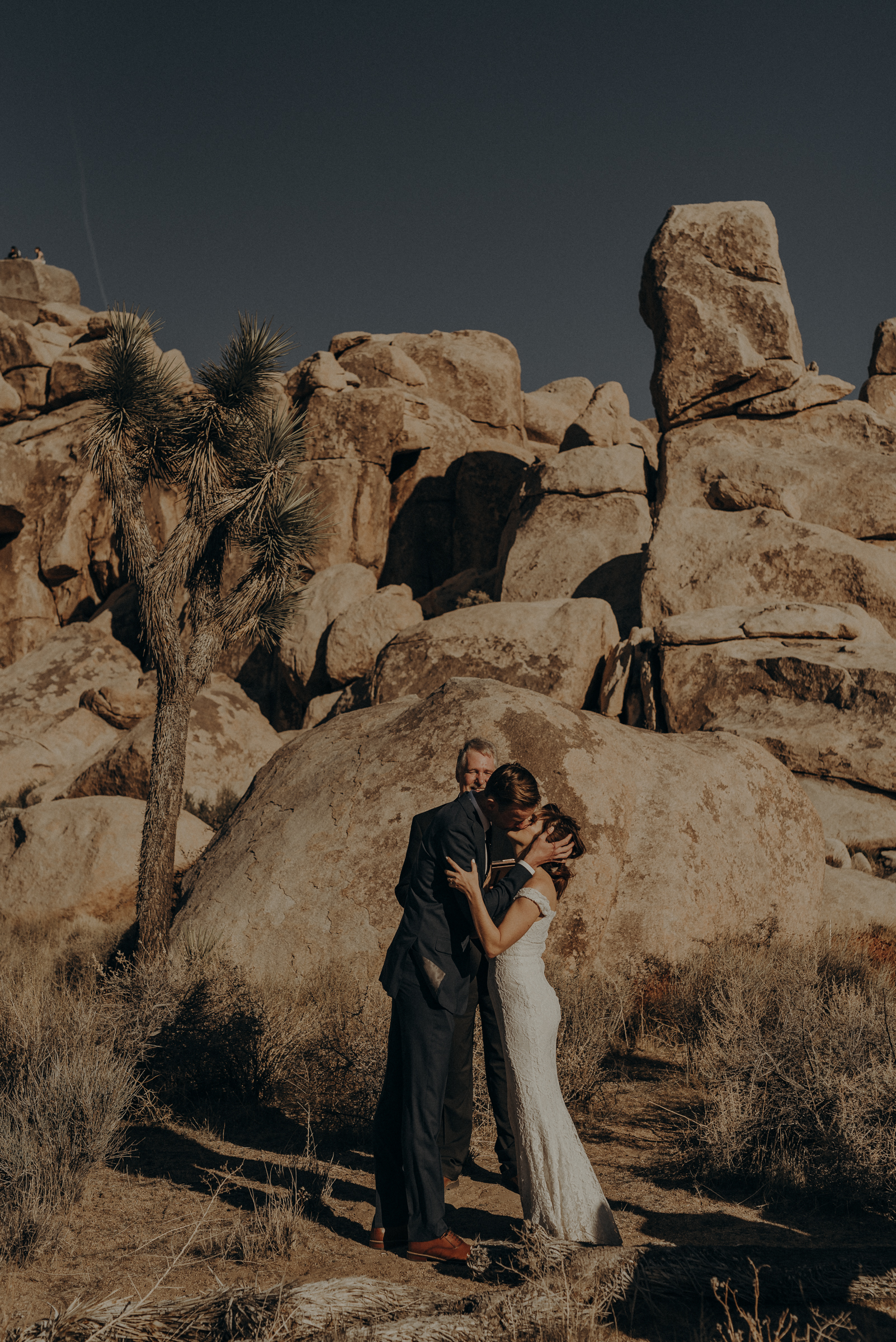 Joshua Tree Elopement - Los Angeles Wedding Photographers - IsaiahAndTaylor.com-031.jpg