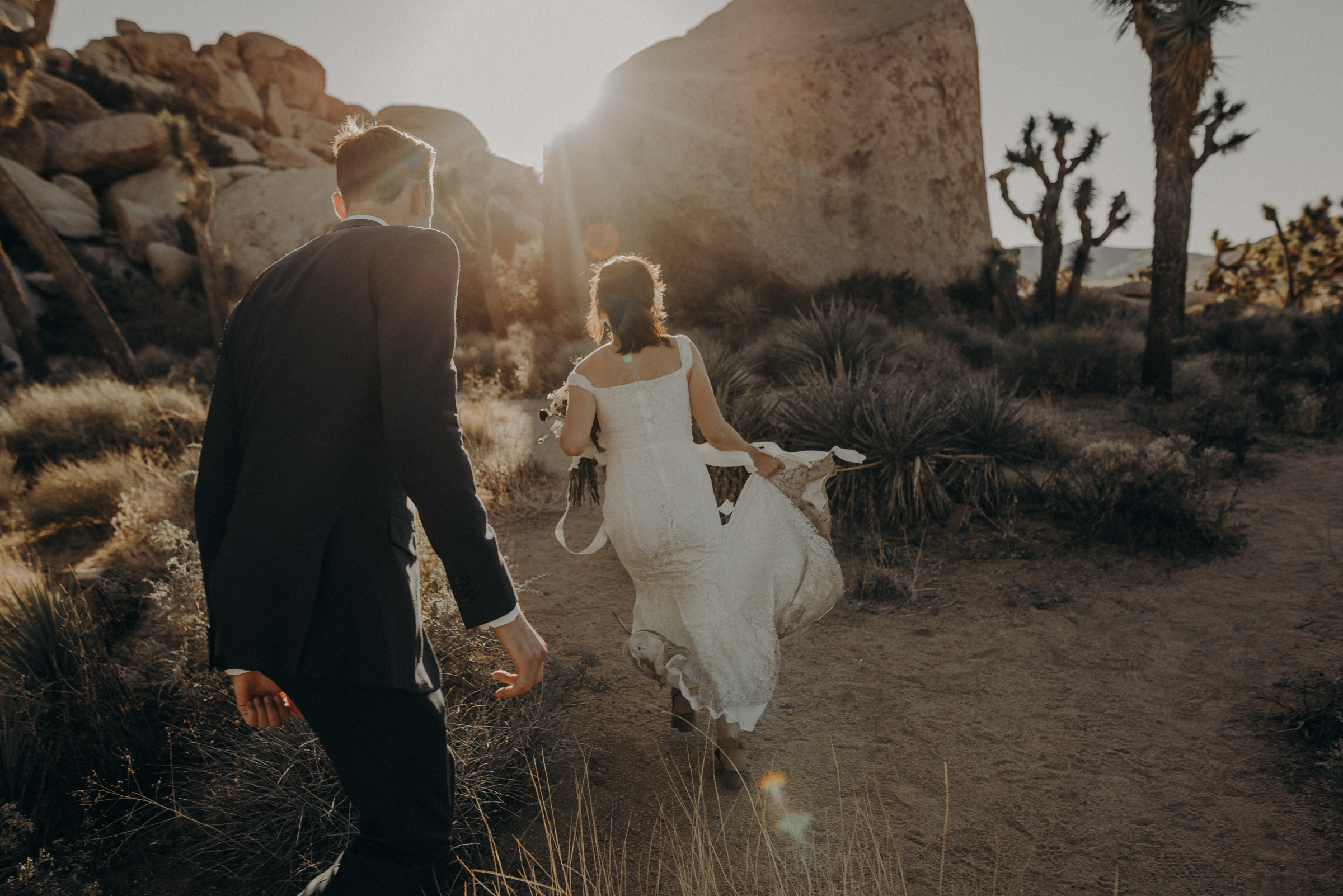 Joshua Tree Elopement - Los Angeles Wedding Photographers - IsaiahAndTaylor.com-057.jpg
