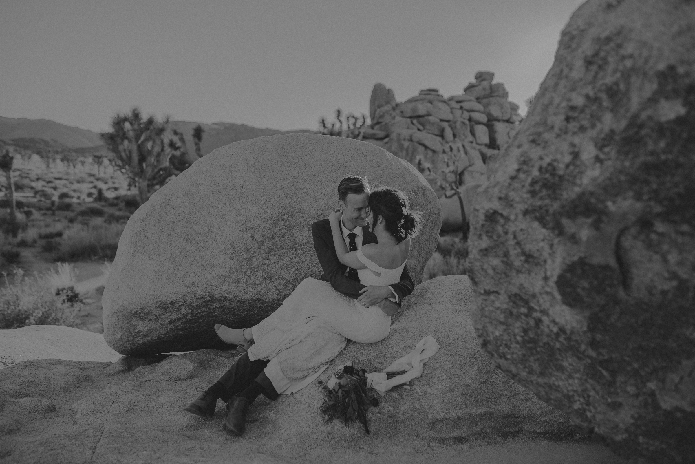 Joshua Tree Elopement - Los Angeles Wedding Photographers - IsaiahAndTaylor.com-075.jpg