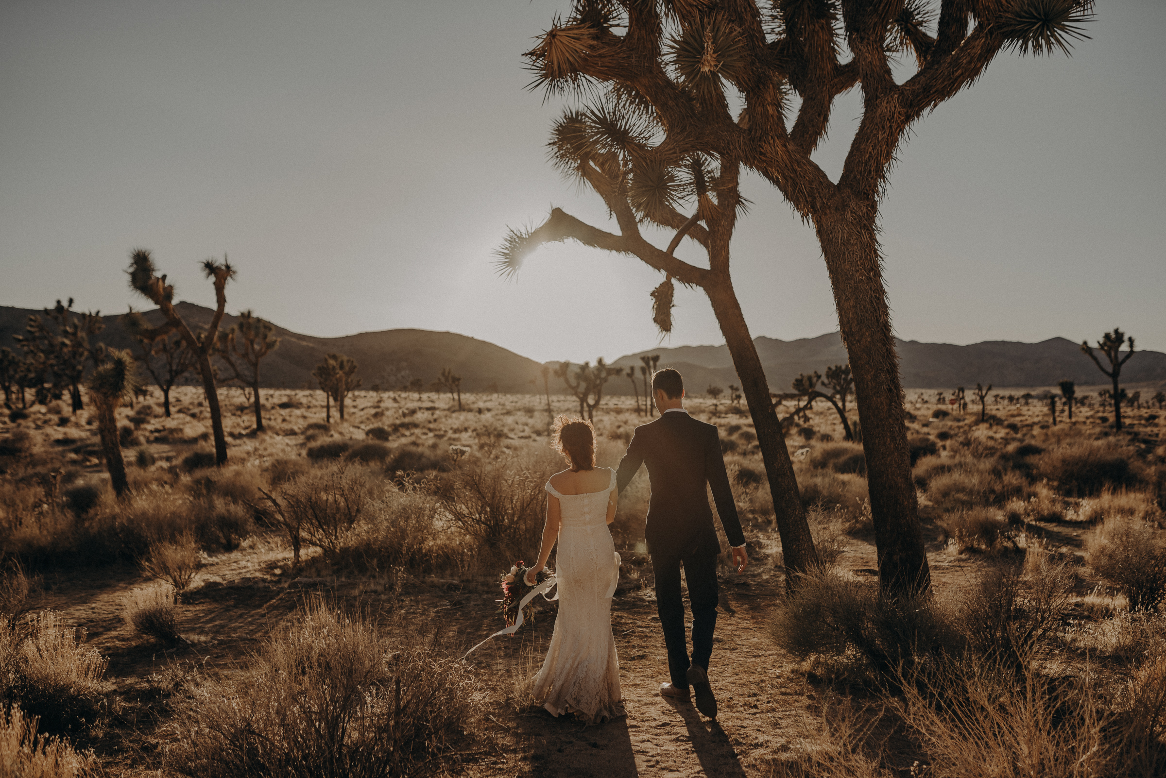 Joshua Tree Elopement - Los Angeles Wedding Photographers - IsaiahAndTaylor.com-093.jpg