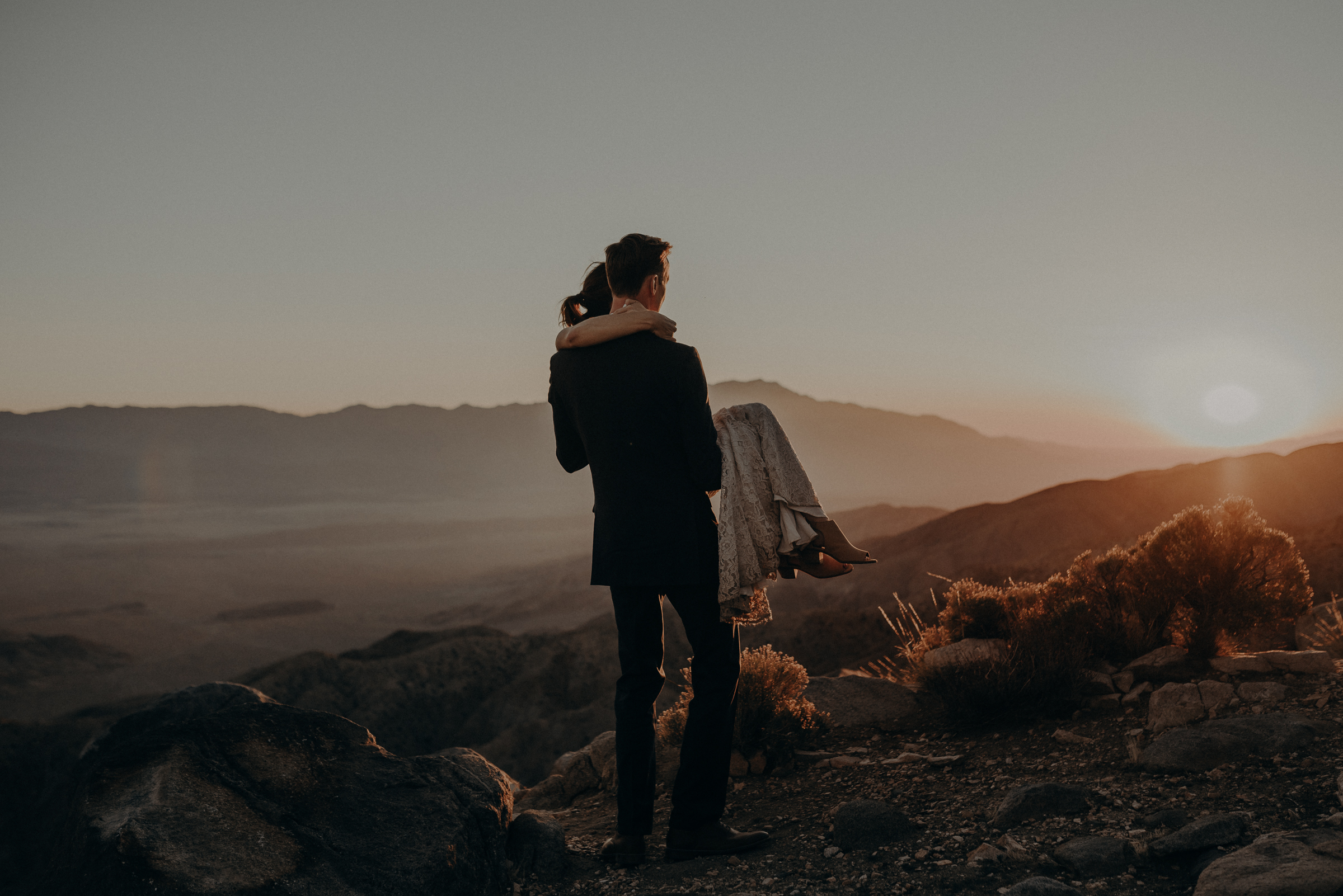 Joshua Tree Elopement - Los Angeles Wedding Photographers - IsaiahAndTaylor.com-108.jpg