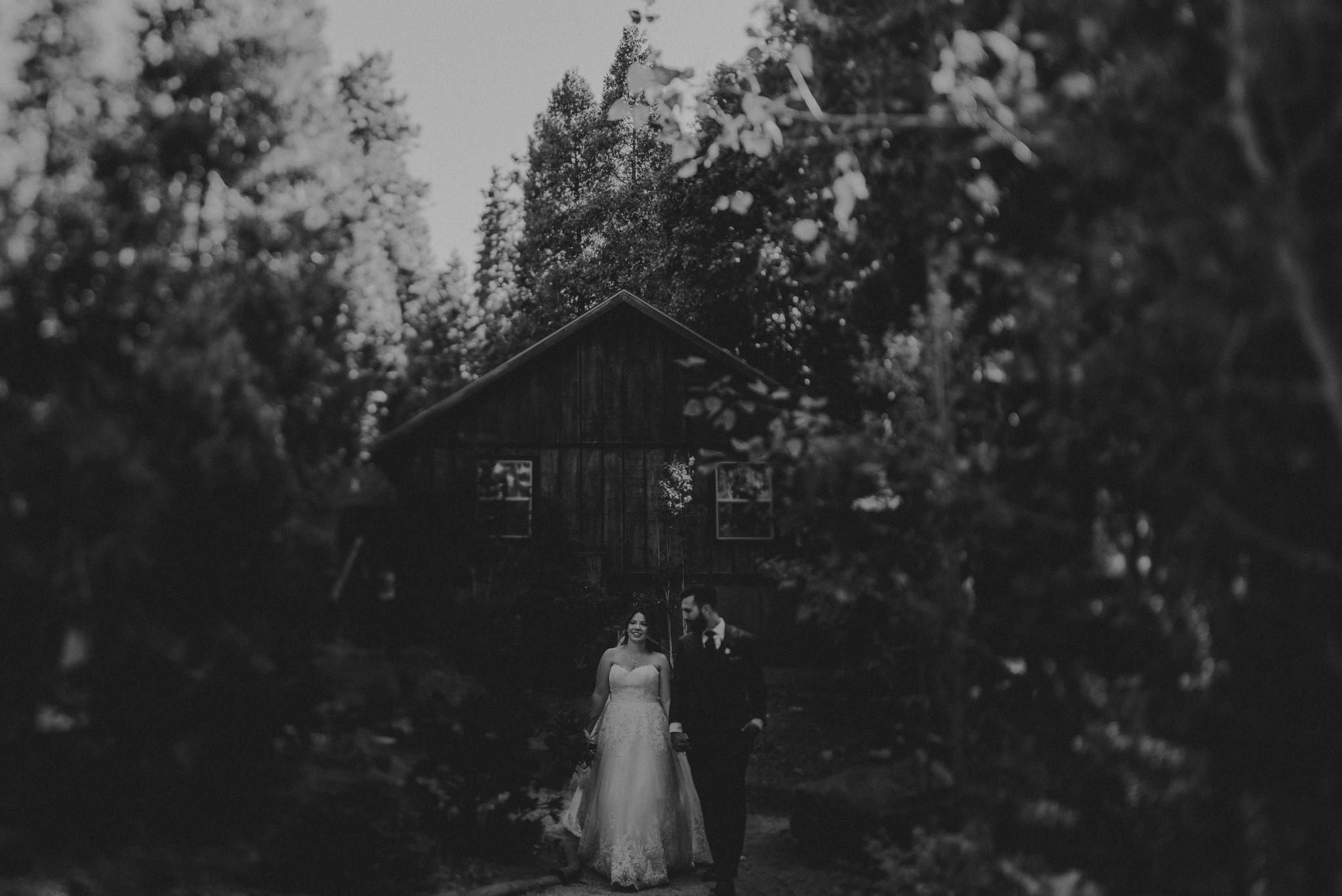 Yosemite Elopement Photographer - Evergreen Lodge Wedding Photographer - IsaiahAndTaylor.com-106.jpg