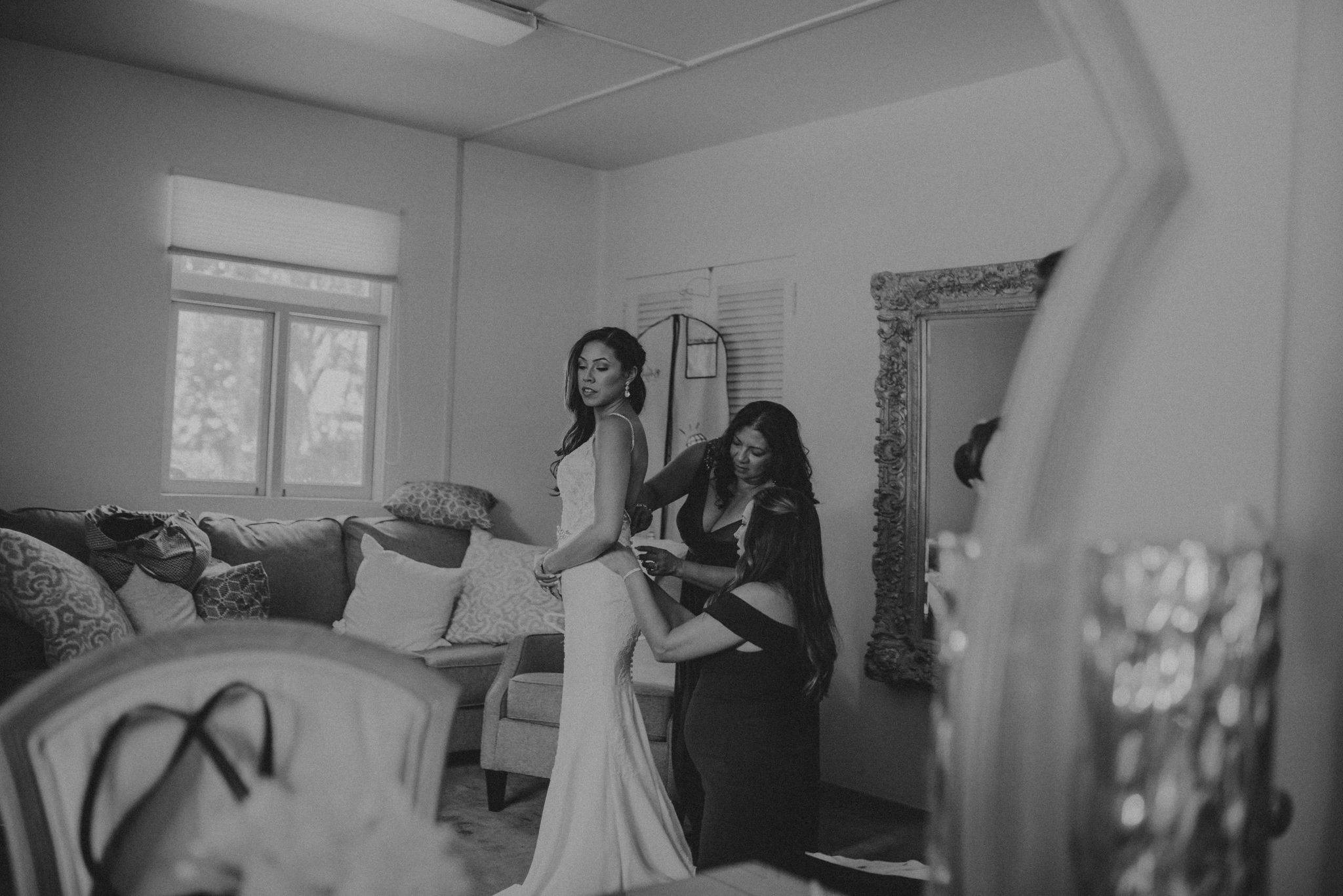 Wedding Photographer in Los Angeles - The Clarke Estate Wedding - IsaiahAndTaylor.com-017.jpg