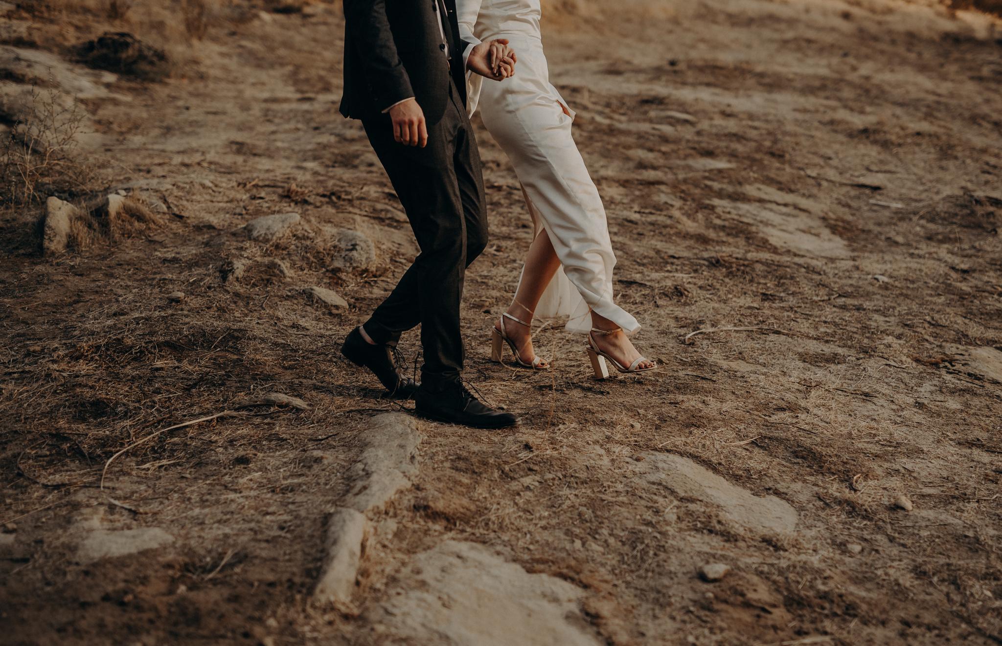 Hummingbird Nest Ranch Wedding - Wedding Photographer in Los Angeles - IsaiahAndTaylor.com-076.jpg