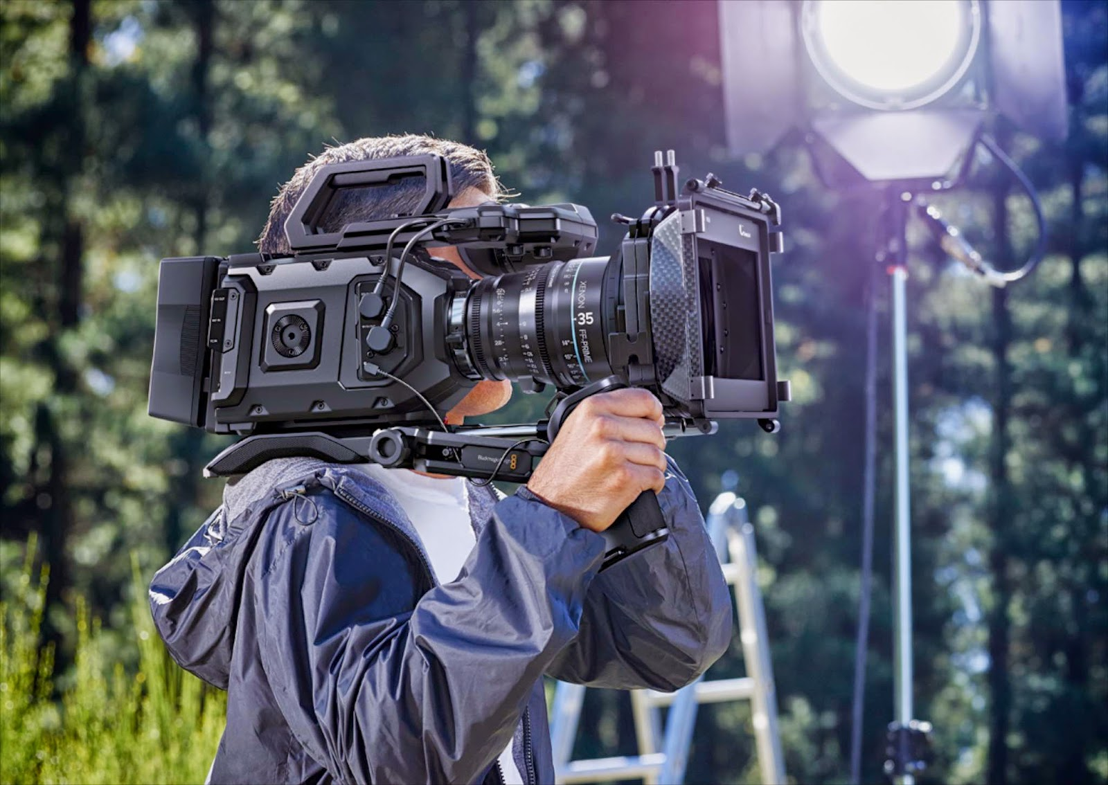 Blackmagic-Ursa-Mini-shoulder-mount.jpg