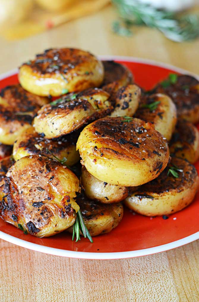Crispy-Outside Creamy-Inside Garlic Herb Potatoes...