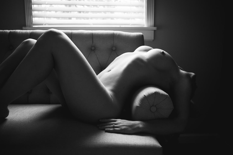ARTISTIC NUDE BOUDOIR | NICHOLE MARIE BOUDOIR | SEBASTIAN FLORIDA BOUDOIR PHOTOGRAPHER