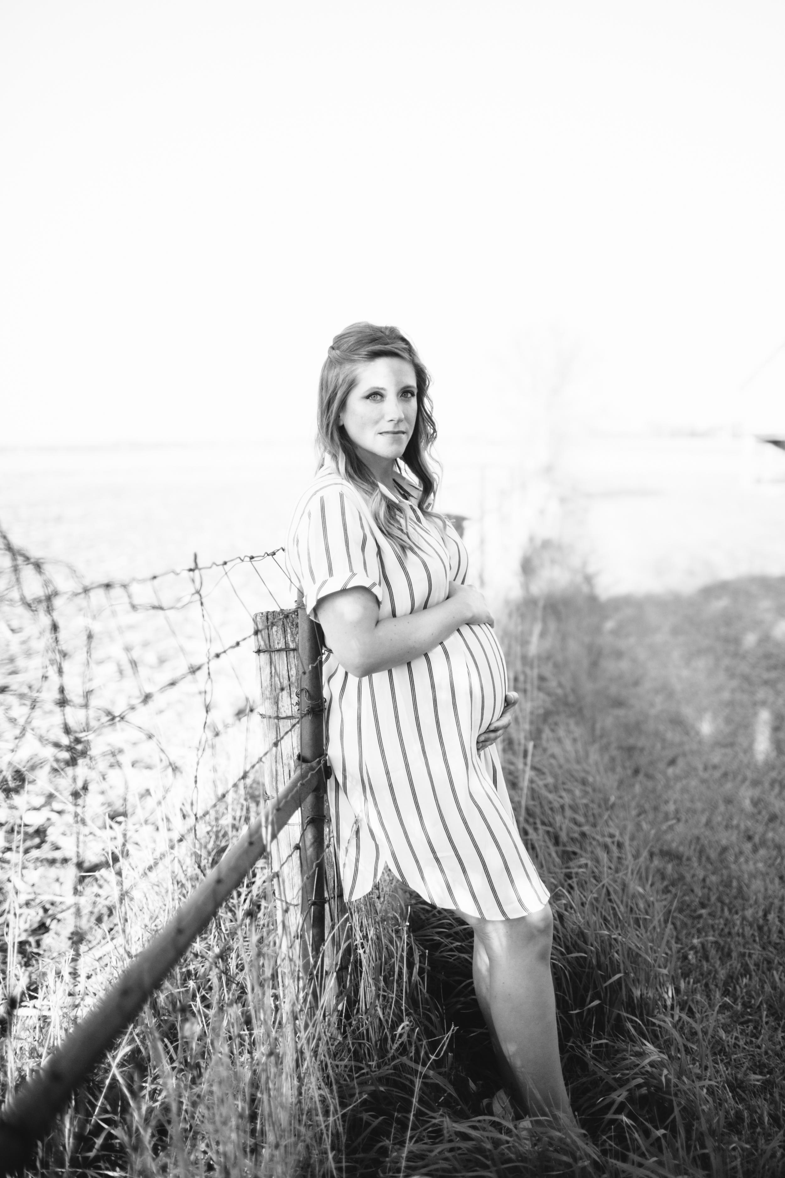 Cedar Falls Maternity Photographer