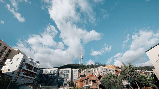 Beautiful weather today. . . . #ig_today #streets_vision5k #Lr_People #seoul_official #seoul_korea #ig_korea #passionpassport #beautifuldestinations #friendsinperson #hbouthere #createcommune #heatercentral #way2ill #visitseoul #loaded_lenses  #streetleaks #streetmagazine #streetshared #streetactivity #rawurbanshots #photogsinkorea #streetmobs #ig_seoul #fujifilm_street #fujifeed #fujifilmasia #fujifilm_global #fujifilmz #cloudzdelight