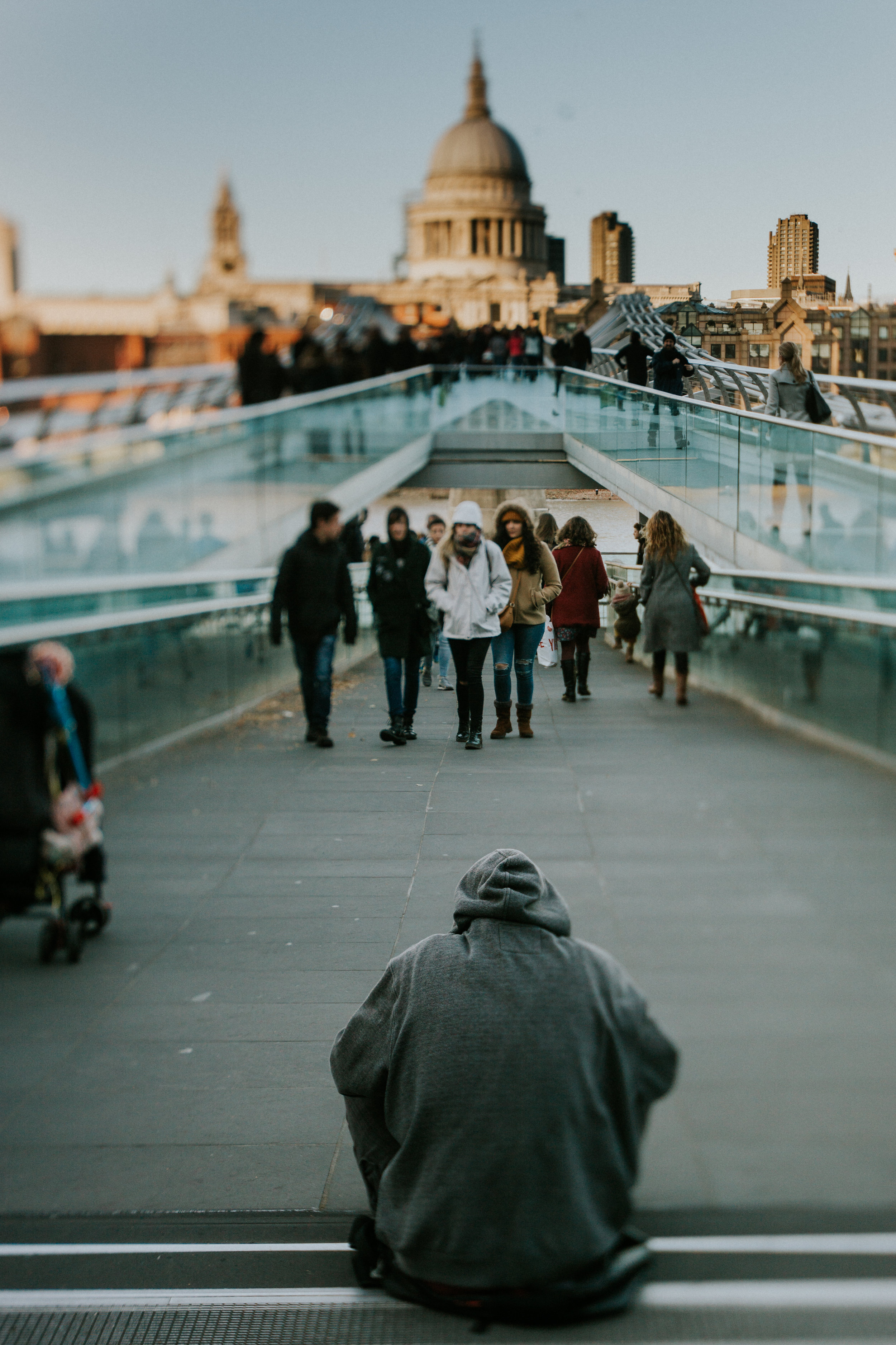 tilt-shift-photography-stpauls-people-east-london-06