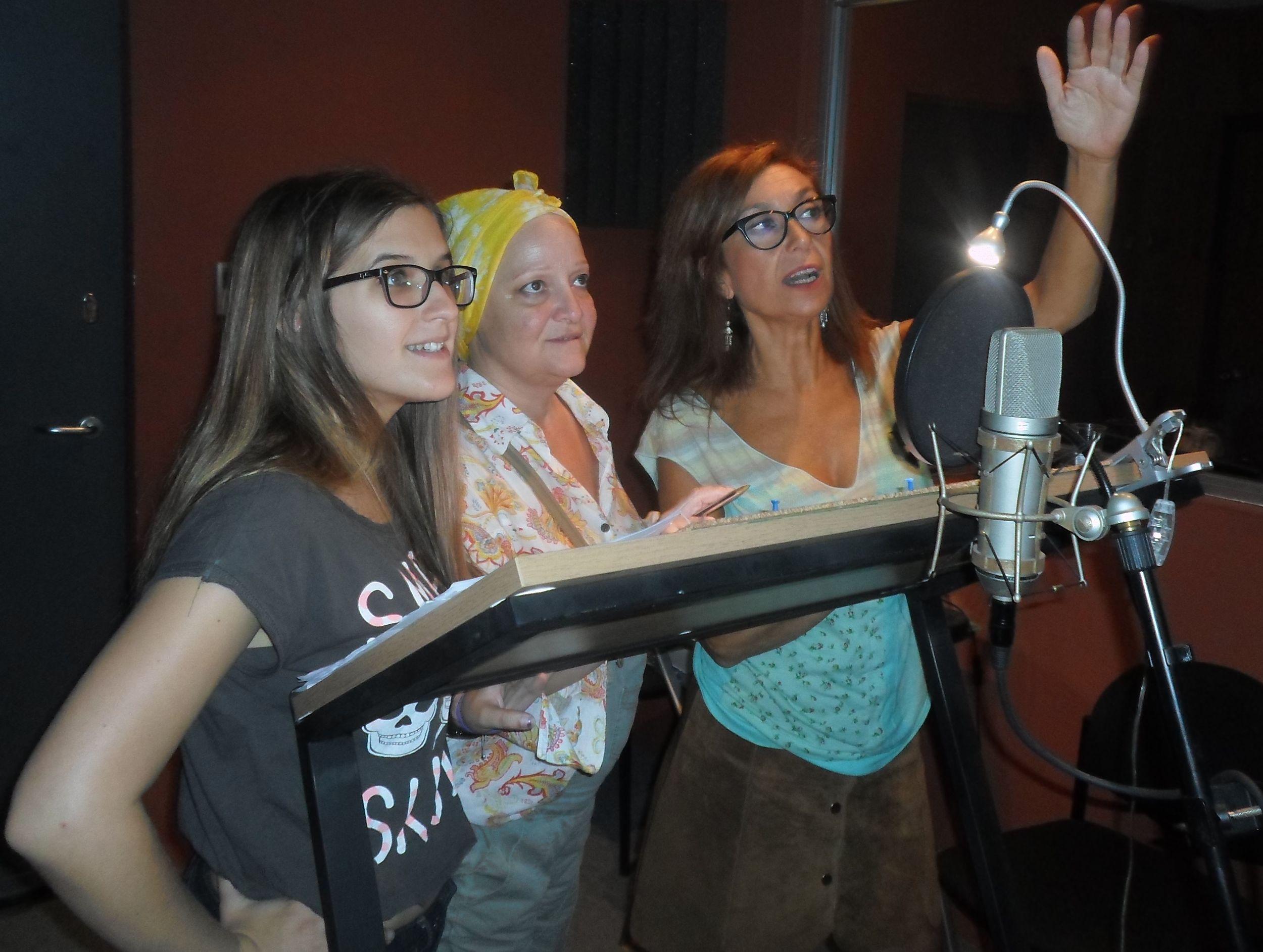 Ana Soto, María José Roquero y Mercedes Hoyos doblando a Mai, Pilaf y Shu.