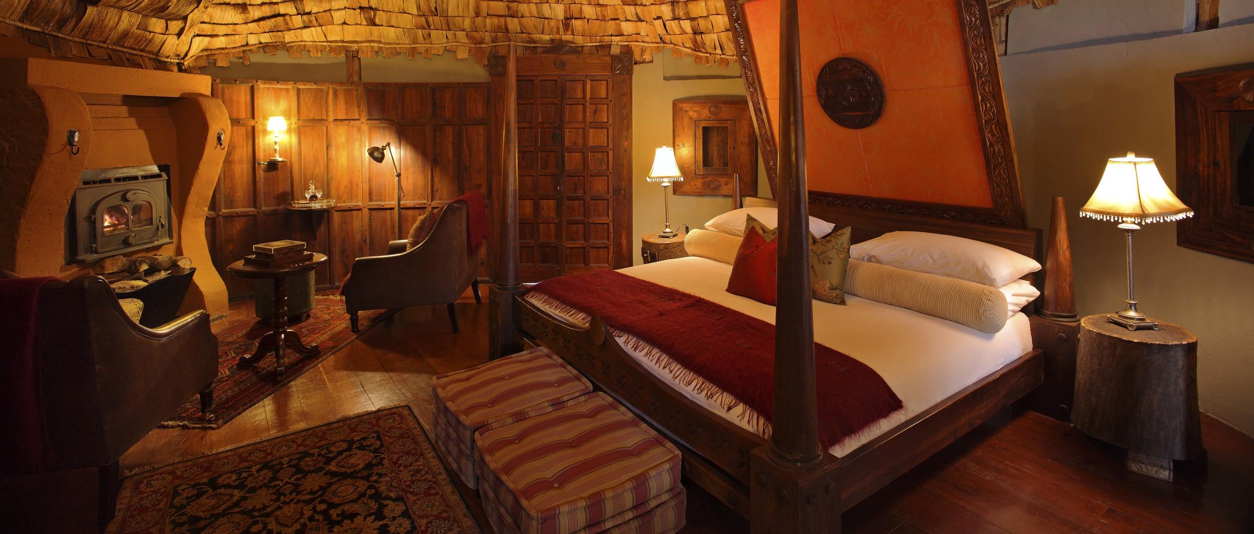 Ngorongoro_crater_lodge_guestroom9.jpg