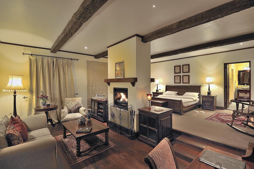 The_Manor_Room_Interior_1_Tanzania_Safari_Takims_Holidays