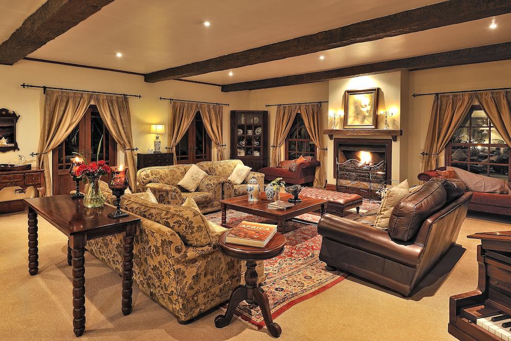 The_Manor_Room_Lounge_1_Tanzania_Safari_Takims_Holidays