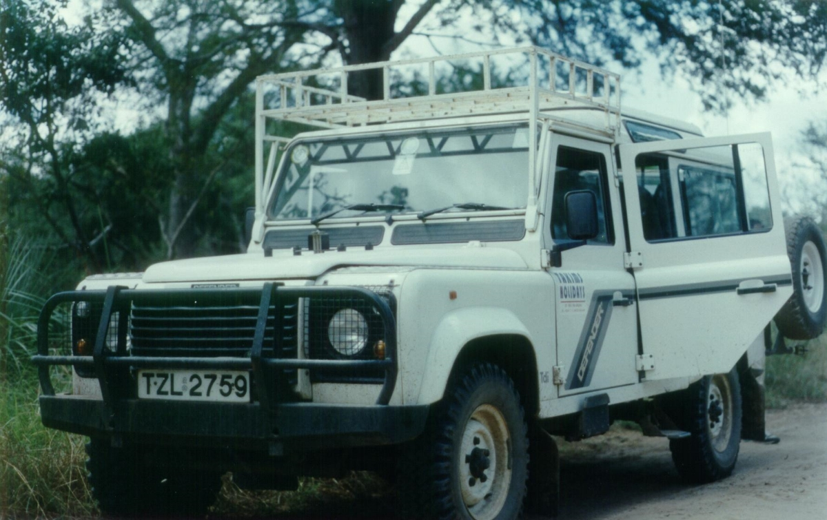 1995: The famous Landrover Defender