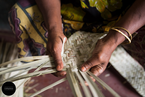 CraftingKenya_2014-09-18_Lamu_palm leaves weaving_004_sm.jpg