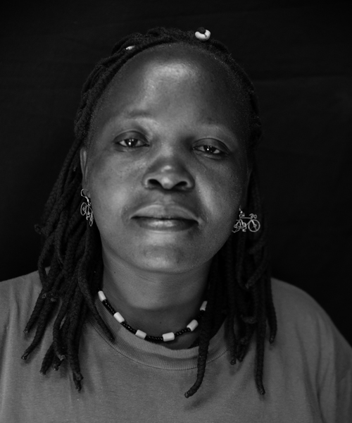 Caroline Atieno Baraza, Paper Bead Maker
