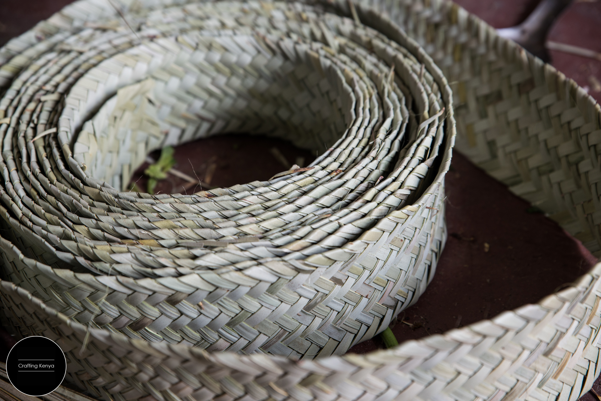 CraftingKenya_2014-09-18_Lamu_palm leaves weaving_007.jpg