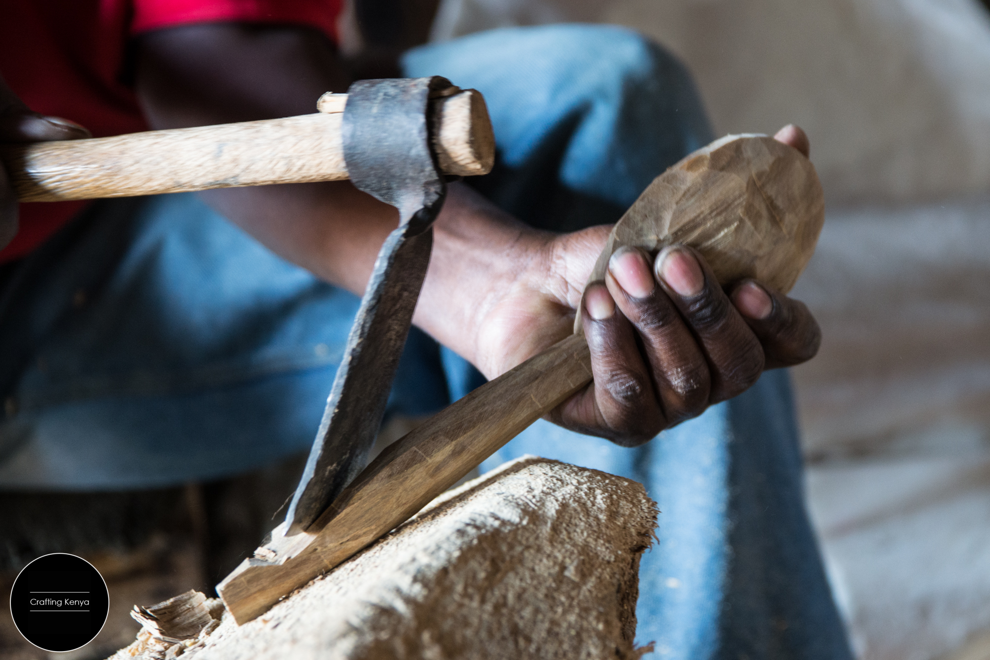 CraftingKenya_2014-09-11_Nairobi_Gikomba Wood carving_049.jpg
