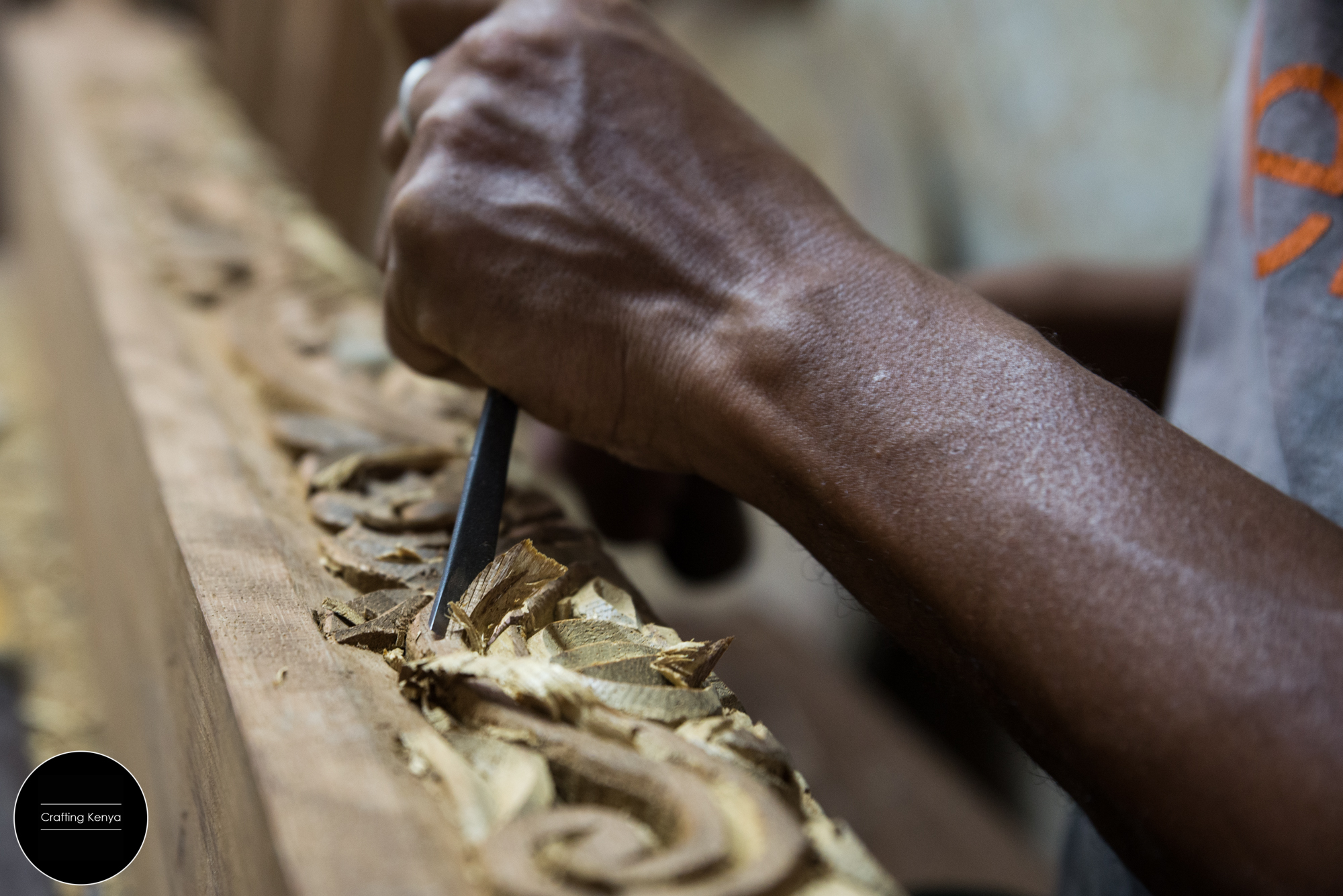 CraftingKenya_2014-09-17_Lamu_Wood carving_003.jpg