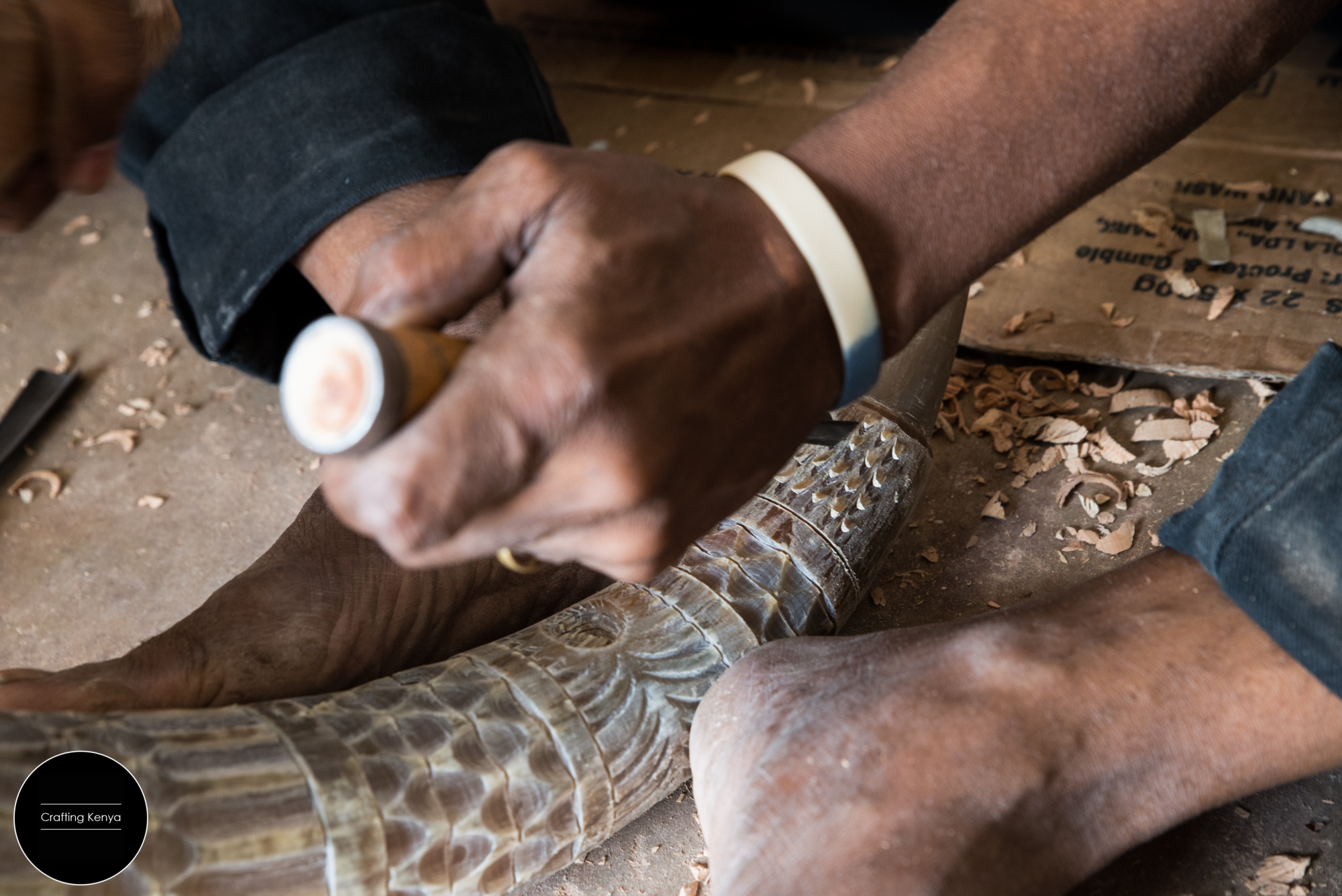 CraftingKenya_2014-09-17_Lamu_Wood carving_090.jpg
