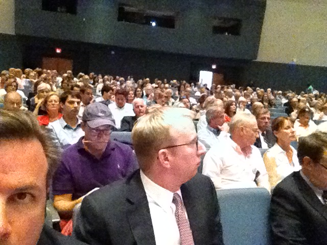 The auditorium sits 700 people. It wasn't 'technically' full, but pretty close.
