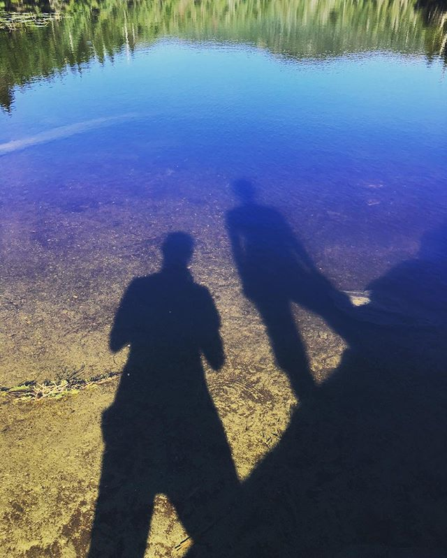 Late afternoon shadows at #sterlingpond #vermont #smugglersnotch #getoutside #gohiking #vermontlife #shadows #sillouette