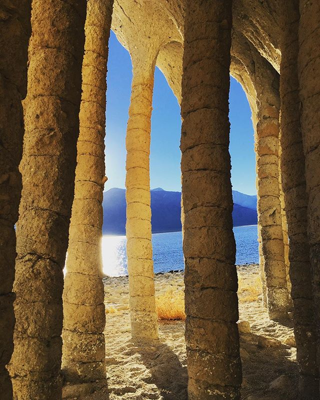 Crowley Lake Columns #natureisbeautiful #mammothlakes #getoutdoors #explore #hiking #hikingadventures #californiaadventure #california #crowleylake #coolstuff