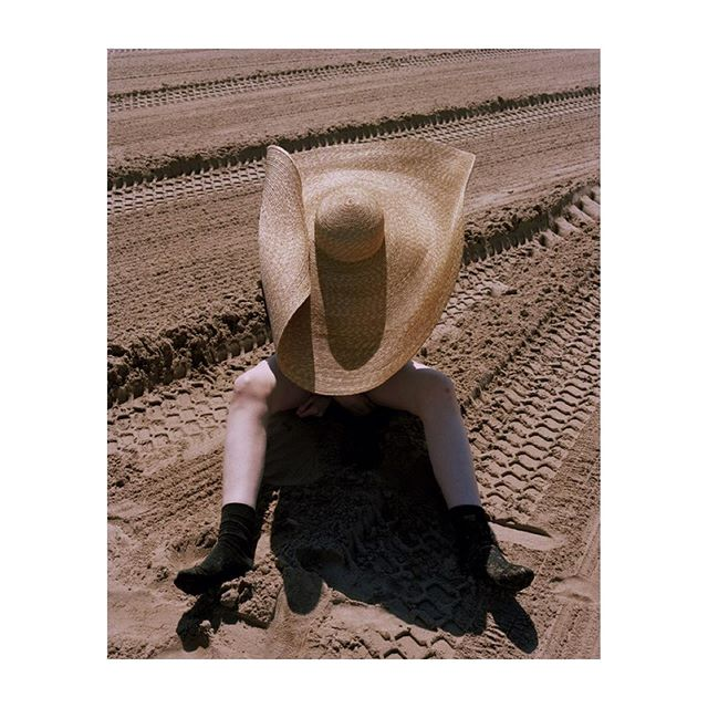 $2 holiday for @vogueitalia thank you @chiaranonino @alessiaglaviano 😘 #film #hat #portrait #fashion #legs #sarahabney #beach #bexday