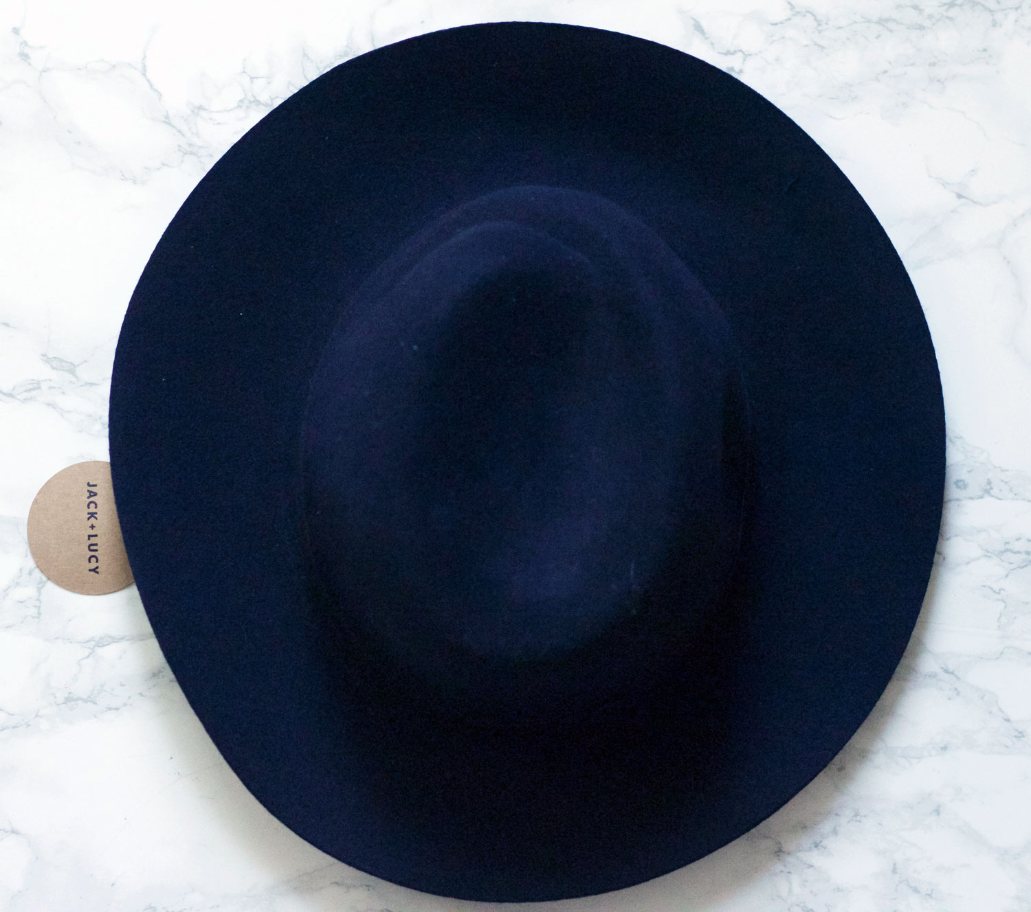 JACK & LUCY : You probably know by now that Im a lover of wide-brim felt hats! This is a great one to start with if you're new to wearing hats, but are wanting to try this trend. Fall is a great time to try, and this hat isn't too wide at all, it's vert subtle and very cute!