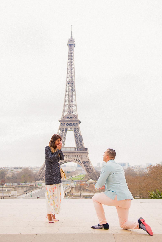Paris surprise porposal photo session for Mike & Johana-5.jpg