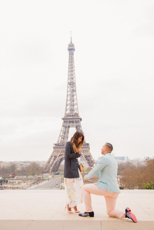 Paris surprise porposal photo session for Mike & Johana-10.jpg