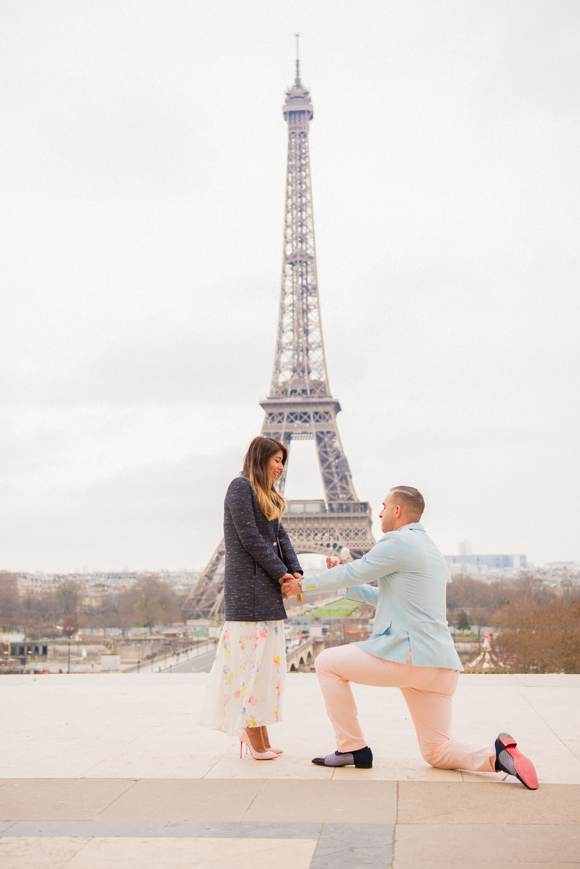 Paris surprise porposal photo session for Mike & Johana-12.jpg