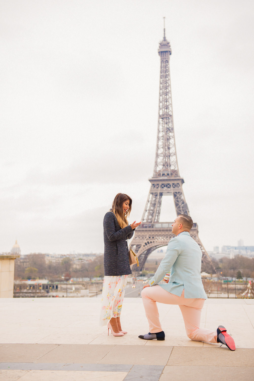 Paris surprise porposal photo session for Mike & Johana-16.jpg